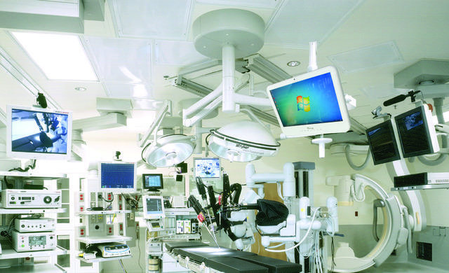Fanless Medical Computers in Surgery
